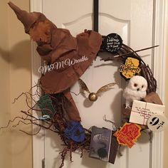 Custom Order! Starts at $300 Harry Potter wreath! Going up in a school library! So much detail and love put into this one! Please understand this is a $300 wreath and that does NOT include shipping.