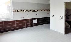 Obložení koupelen Tile Floor, Flooring, Texture, Crafts, Surface Finish, Manualidades, Tile Flooring, Wood Flooring, Handmade Crafts