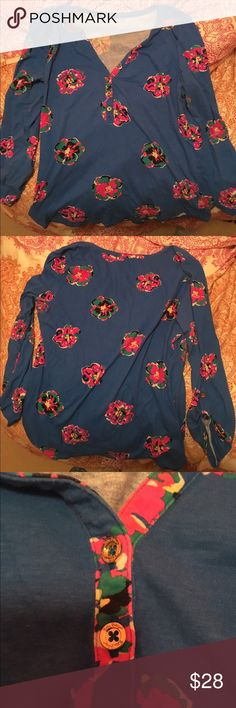 Lilly Pulitzer Blur Floral Cotton Shirt Beautiful shirt from Lilly Pulitzer. Worn many times but in good condition. Faux-button front, rolled sleeves. 100% Cotton. Lilly Pulitzer Tops