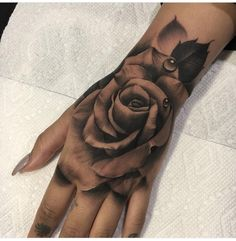 20 hand tattoo ideas from women celebrities who love ink- MUST READ: hand . - 20 hand tattoo ideas from women celebrities who love ink- MUST READ: hand tattoos for women – get - Dope Tattoos, Unique Tattoos, Beautiful Tattoos, Body Art Tattoos, New Tattoos, Small Tattoos, Tatoos, Color Tattoos, Buddha Tattoos