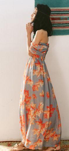 Folds Double Twelve new since the original design holiday dress Gypsy Style, Bohemian Style, Boho Chic, Boho Outfits, Cute Outfits, Fashion Outfits, Pretty Dresses, Beautiful Dresses, Boho Fashion