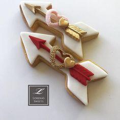 Lorena Rodríguez. Valentine's cookies. Arrow cookies. #lorenassweets #lorenarodriguez #lorenarodriguezsaenz #arrowcookies #valentinesdaycookies #love #lovecookies