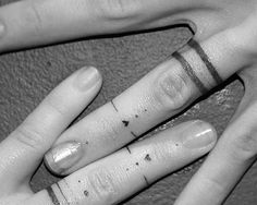Casais substituem alianças por tatuagens; veja seleção   Estilo