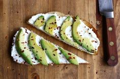Avocado & cream cheese toast