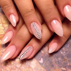 Simple but oh so effective Credit: Toe Nail Designs, Acrylic Nail Designs, Acrylic Nails, Soft Nails, Pink Nails, Nude Nails, Stiletto Nails, Sophisticated Nails, Exotic Nails