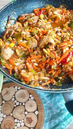 Thai Recipes, Asian Recipes, Chow Mein, Good Healthy Recipes, Aga, Paella, No Bake Cake, Food And Drink, Menu