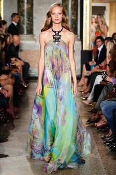 Emilio Pucci Spring 2015 RTW – Runway – Vogue Pucci has been a personal inspiration for more than a few decades and the necklace collar detail here takes my breath away.