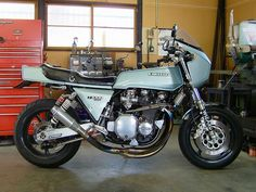 Tuned Kawasaki Z1-R in a cool shed. Love the ride and the image.