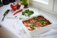 Helppo lasagne Plastic Cutting Board, Kitchen, Foods, Drink, Lasagna, Food Food, Cooking, Beverage, Drinking