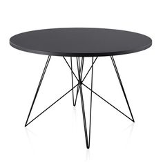 Find the Modern Dining Table that suits your design. Choose between standard dining tables, extensions, cafe, and bar tables from top, contemporary brands. Italian Furniture, Metal Furniture, Unique Furniture, Table Furniture, Dining Table In Kitchen, Round Dining Table, Frankfurt, Computer Set, Italia Design