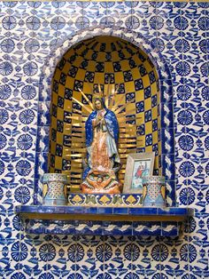 Shrine of Our Lady of Guadalupe, Talavera factory in Puebla, Mexico Religious Images, Religious Art, Monuments, Home Altar, Talavera Pottery, Mexican Designs, Blessed Virgin Mary, Mexican Folk Art, Blessed Mother