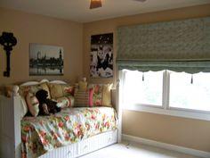 Vintage Bedroom Decorating Ideas | Teenage Girl's Vintage Bedroom, Vintage teen girl's bedroom with her ...