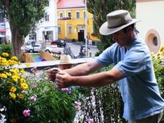 electroculture abeilles - Electroculture : Énergies naturelles au Service de l'Agriculture Service, Panama Hat, Bees, Cowboy Hats, Bee Boxes, Gardens, Beekeeping, Helpful Tips, Ruffles