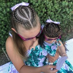 La imagen puede contener: 1 persona, exterior y primer plano Girls Hairdos, Baby Girl Hairstyles, Kids Braided Hairstyles, Pretty Hairstyles, Long Hair Designs, Natural Hair Styles, Short Hair Styles, Hair Upstyles, Braids For Kids