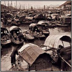 悠久の歴史を持つ中国ですが、その歴史の中では比較的新しい20世紀前半・毛沢東時代の様々な復元写真です。しかし、現在の経済発展著しい中国とはかなり違ったとても興味深いものばかりとなっています。1913年。...