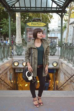 à Abbesses, Paris - Hello it's Valentine Louise Brooks, Hello It's Valentine, Clogs Outfit, Prada, Paris 3, Swedish Hasbeens, Urban Chic, Fall Trends, Mode Inspiration