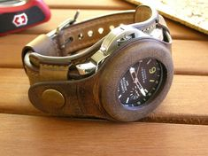It is just to show how your watch might look in the band. Metal Watch Bands, Leather Watch Bands, Black Leather Watch, Leather Men, Beautiful Watches, Best Friend Gifts, Fashion Watches, Watch Straps, Vintage Style
