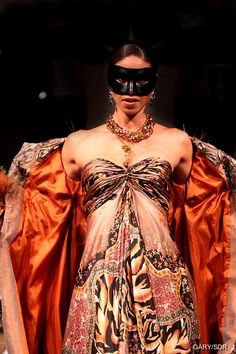 The Tigress - Hendrik Vermeulen Couture - Carnival Collection 2010 - Jewels: Christoff Fashion Prints, Fashion Art, Womens Fashion, Carnival Themes, Open Minded, Couture, Style Clothes, Boutique, Cape Town