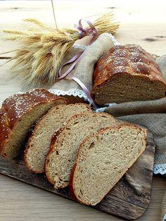 Cerozrnná špaldová vánočka | Recepty - Mykitchendiary.sk Bread, Food, Basket, Brot, Essen, Baking, Meals, Breads, Buns