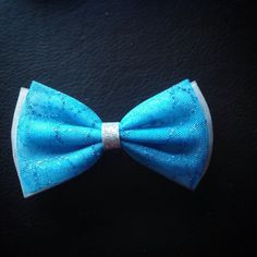 Frozen themed bow $7. #frozen