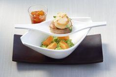 Kalbsfilet und Jakobsmuschel mit Erbsenpüree, Süßkartoffeln und Chutney Aprikose-Tomate