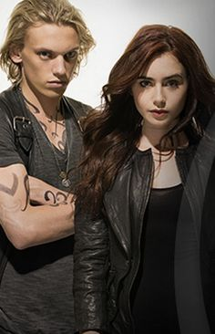 New photos from CoB trivia: http://www.themortalinstrumentsmovie.com/feature/triviachallenge/