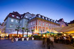 Meet the locals in one of the many outdoor restaurants in Graz #feelaustria