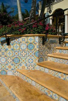 Super cute and retro custom, hand painted tiles for risers and walls to coordinate with waterline tiles. Porch Tile, Patio Tiles, Patio Design, Tile Design, House Design, Spanish Tile, Spanish Colonial, Spanish Exterior, Tile Steps
