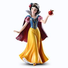 Snow White Couture de Force Figurine. Aw, this one's all cute and simple, but I still love the detail that went into her. She looks so sweet! :)