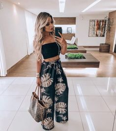 110 dazzling summer outfits you need immediatelywachabuy 13 110 dazzling summer outfits you need immediatelywachabuy 13 Chic Outfits, Trendy Outfits, Fashion Outfits, Fashion Ideas, Fashion Tips, Fashion Mode, Look Fashion, Spring Summer Fashion, Spring Outfits