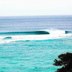 とある日の波 沖縄では人知れず無人の波がブレイクしている事もしばしば  #沖縄#サーフィン#サーフィンスクール#波乗り#レンタル#シーナサーフ#okinawa #surfingschool #seanasurf#instagood #wave#reef