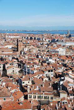 Markusturm Venedig Italien Alpen