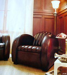 Paire de fauteuils club ROADSTER, joli modèle STREAMLINE vers 1930, coloris: gold, cognac, alezan, marron, chocolat.
