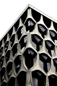 Patterned concrete facade. Architecture Moderne, Facade Architecture, Beautiful Architecture, Installation Architecture, Concrete Facade, Precast Concrete, Concrete Building, Design Studio, Revit