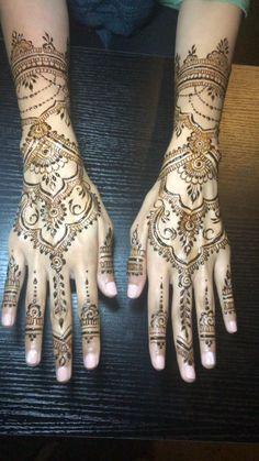 Circle Mehndi Designs, New Henna Designs, Wedding Henna Designs, Henna Tattoo Designs Simple, Beginner Henna Designs, Mehndi Designs Feet, Mehndi Designs Book, Modern Mehndi Designs, Beautiful Henna Designs