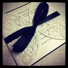 Floral Paper Lace Black and White Wedding от StunningStationery