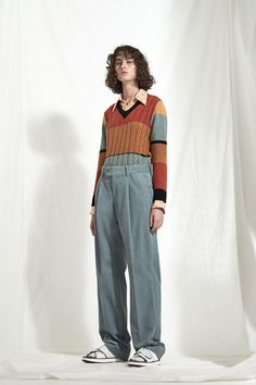 The complete Joseph Resort 2018 fashion show now on Vogue Runway. Fashion Week, Fashion Show, Fashion Outfits, Fashion Tips, Fashion Design, Fashion Trends, Fashion Quiz, Color Fashion, Editorial Fashion