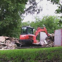 Kubota Mini Excavator doing some demo. #Kubotalove #Kubota