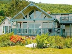 Very Private  Peaceful, Surrounded by Nature, Stunning Views. Hot Tub