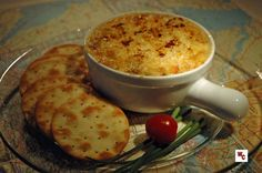 Hot Crab and Green Chili Dip. This incredible dip served with drinks will be the hit of your dinner party! Best Appetizers, Appetizer Dips, Chili Dip, Hot Crab Dip, Small Baking Dish, Meat Substitutes, Love Food, Dip 2, Cooking Recipes