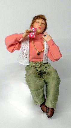 Muñeca con el kit-kat