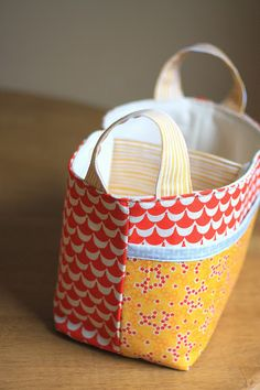 Pattern Review by Amy of Diary of a Quilter : Noodlehead Divided Basket