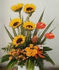 Resultado de imagen para arreglos florales con girasoles y rosas #adornosflorales