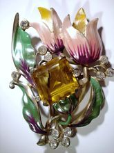 Beautiful 1940s Enameled Floral Brooch with Rhinestones