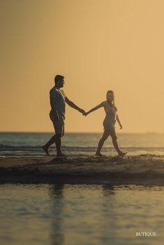 Ensaio de Casais num Lindo Por do Sol na Praia