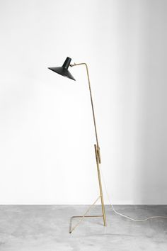 Gino Sarfatti floor lamp No.1045 for Arteluce, 1948