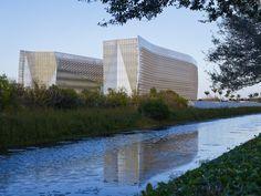 Sede principal FBI South Florida  / Krueck + Sexton Architects