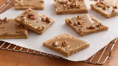 Nothing beats the flavors of candied pecans and buttery caramel in this easy fudge – an indulgent dessert that tastes just like praline candy.