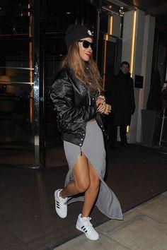Bomber jacket adidas superstars beanie maxi skirt