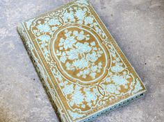 Champagne & Flowers Vintage Guestbook from an by Spellbinderie,